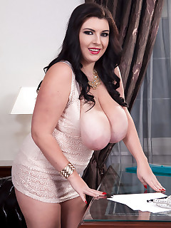 Huge Boobs BBW Pics