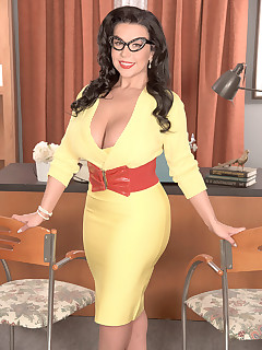 Huge Boobs and Glasses Pics